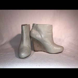 Light Taupe, Sized 7.5, Report (Bowie) Bootie